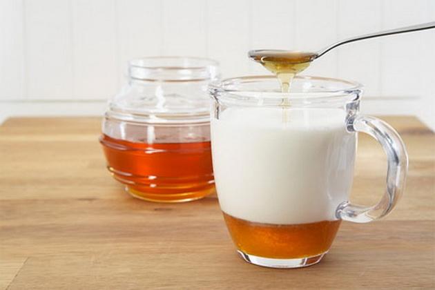 mandlove mleko s medem