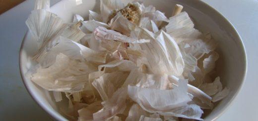 Až zjistíte, proč naše babičky vždy skladovaly slupky z česneku, začnete to dělat také.
